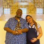 Cantor Péricles faz visita ao Santuário Nacional de Aparecida